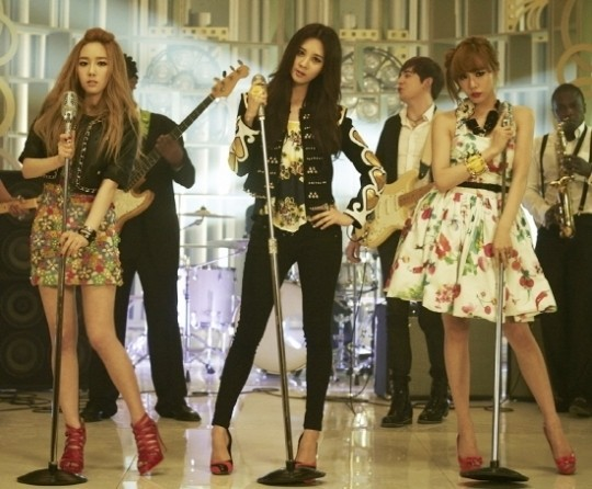 Taetiseo's 'Twinkle' Music Video Released!