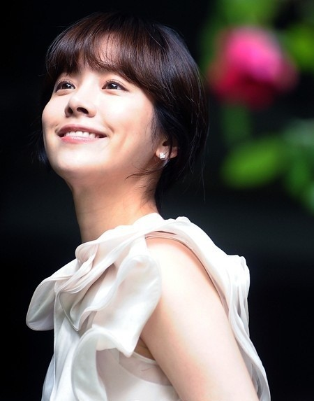 Han Ji Min Clarifies Physical Affection With Park Yoochun Issue