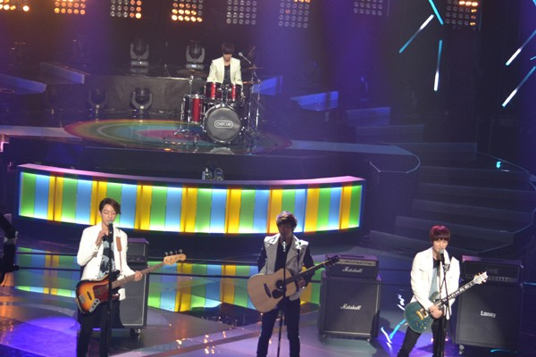 CNBLUE Looks Forward to Performing in Music Bank Special Stage