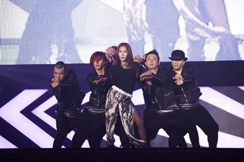'Asia's Star' BoA Returns, 10,000 Fans Cheer