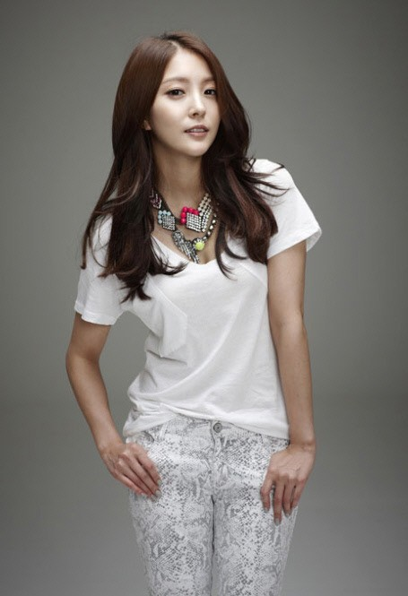"BoA Confesses, ""My Last Relationship was with a Celebrity"""