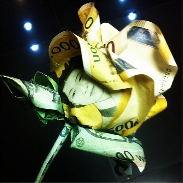G-Dragon's Flower Made of Money Criticized