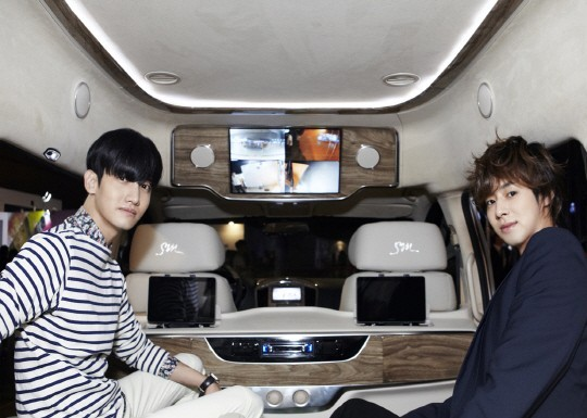 SM Reveals Hyundai Van at SM Fair