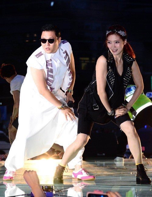 "Psy Receives Proposal for ""Gangnam Style"" Album Release in U.S."