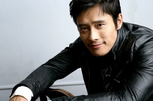 "Lee Byung Hun opened up about the psychological condition in the documentary ""The Old Rookie Lee Byung Hun and Hollywood,"" which aired last weekend."