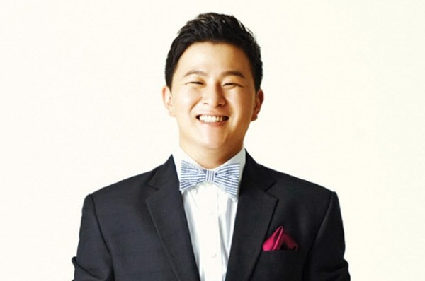 Huh Gak States that he is Dating his First Love but No Wedding Plans Yet
