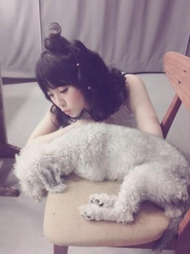 yoora picture with puppy