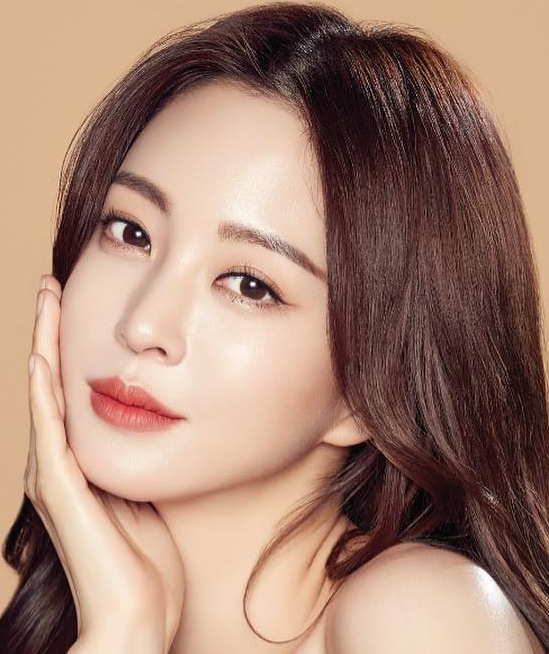 https://data.kpopstarz.com/data/images/full/546496/top-20-most-beautiful-korean-actresses-of-all-time.png?w=549?w=430